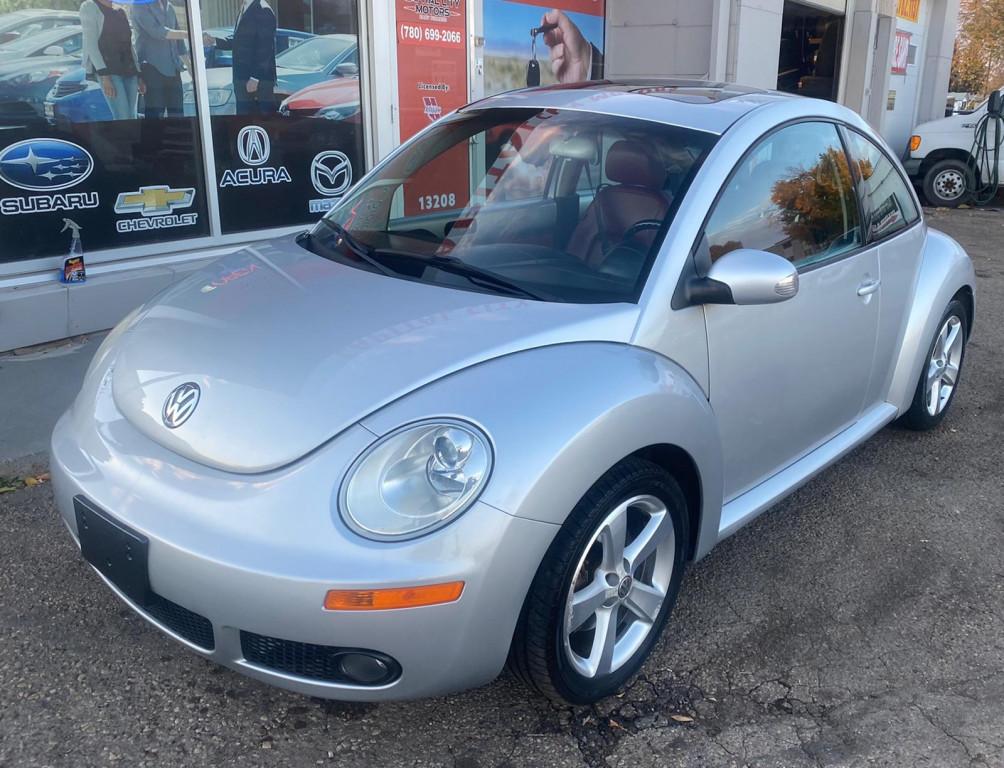 2009-Volkswagen-New Beetle Coupe