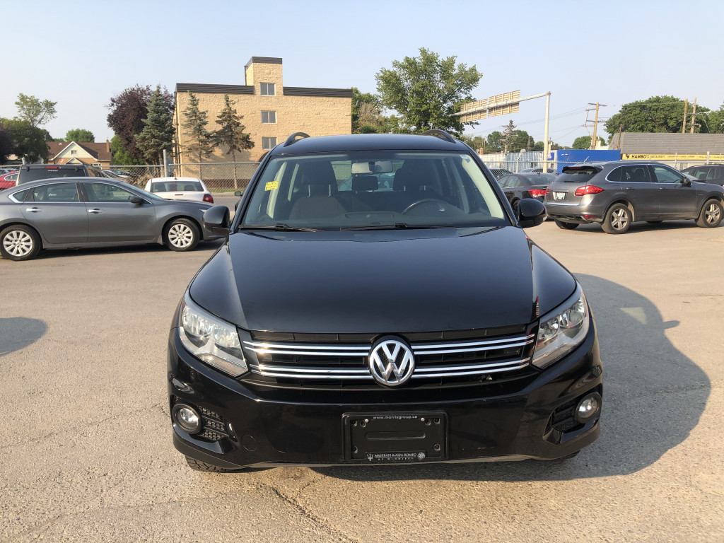 2015-Volkswagen-Tiguan