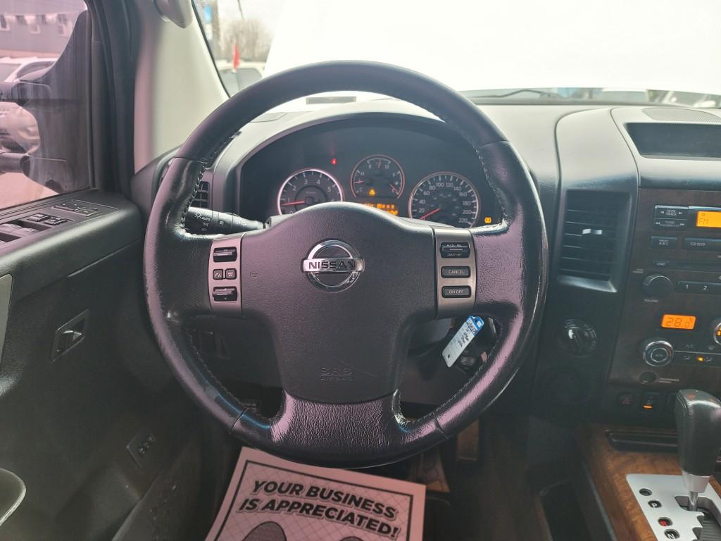 2011-Nissan-Titan