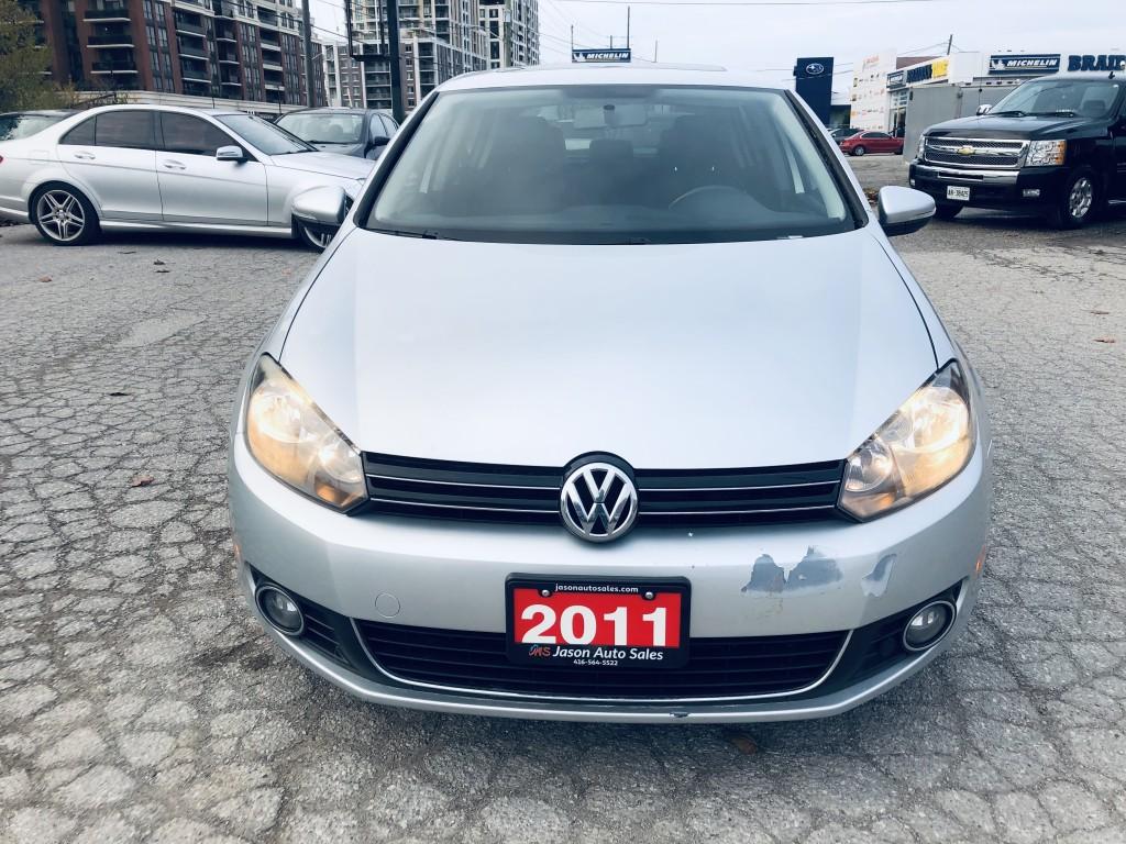 2011-Volkswagen-Golf