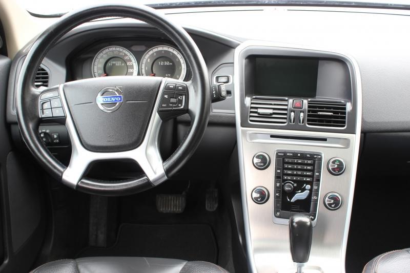 2012-Volvo-XC60