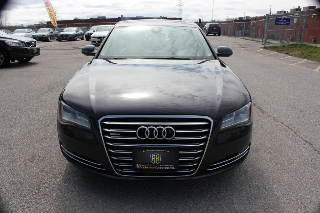 2011-Audi-A8