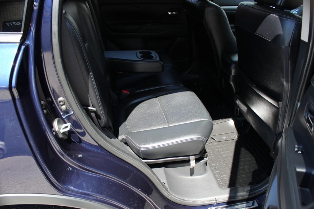 2016-Mitsubishi-Outlander