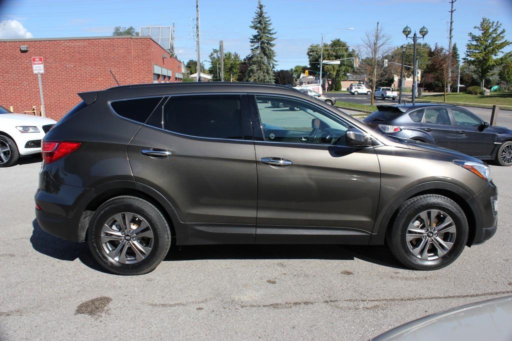 2014-Hyundai-Santa Fe Sport