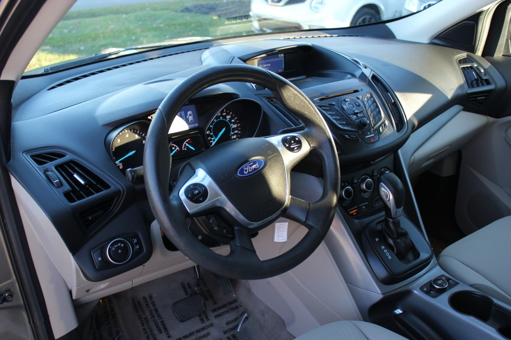 2015-Ford-Escape