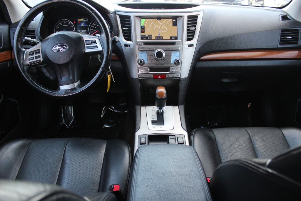 2014-Subaru-Outback