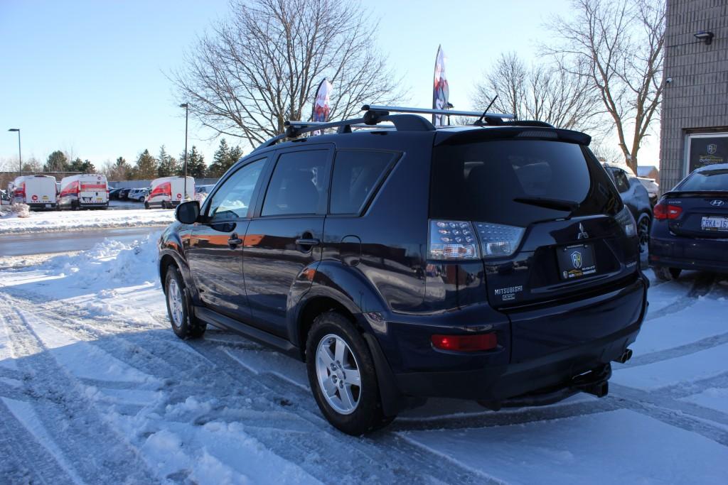 2012-Mitsubishi-Outlander