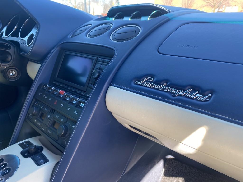 2007-Lamborghini-Gallardo