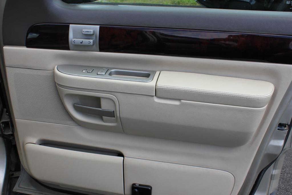 2004-Lincoln-Aviator