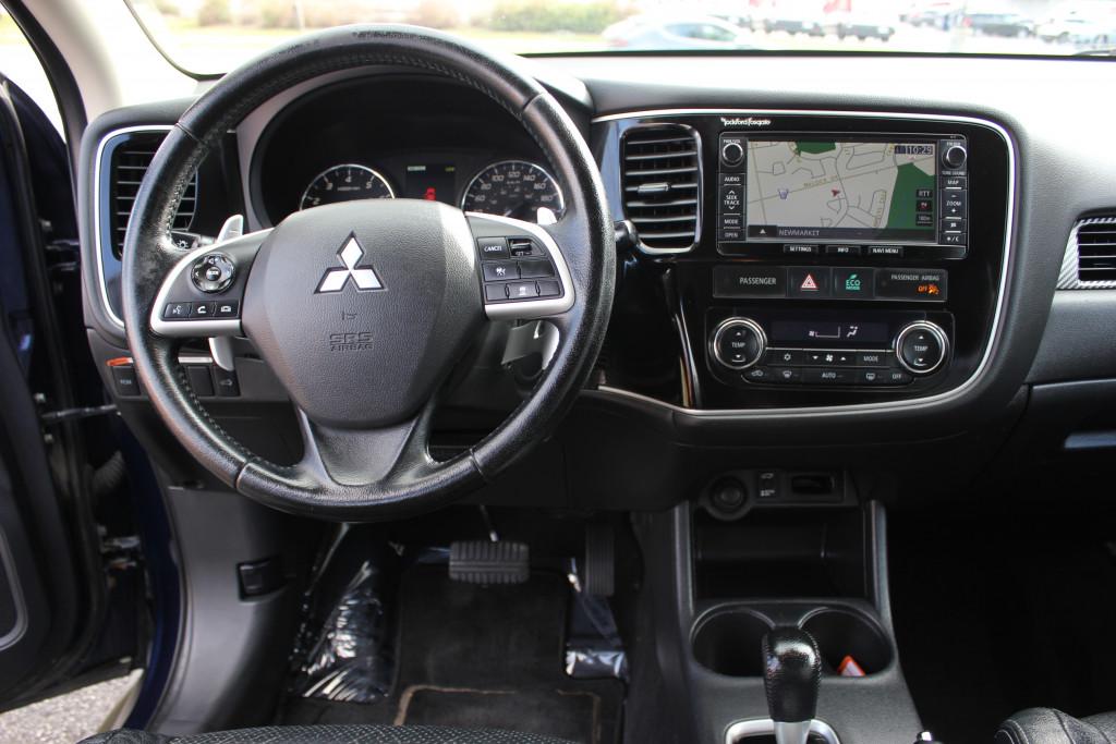 2014-Mitsubishi-Outlander