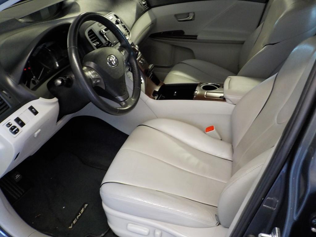 2012-Toyota-Venza