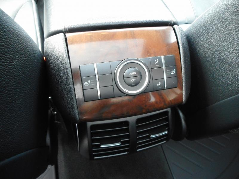 2011-Mercedes-Benz-R-Class