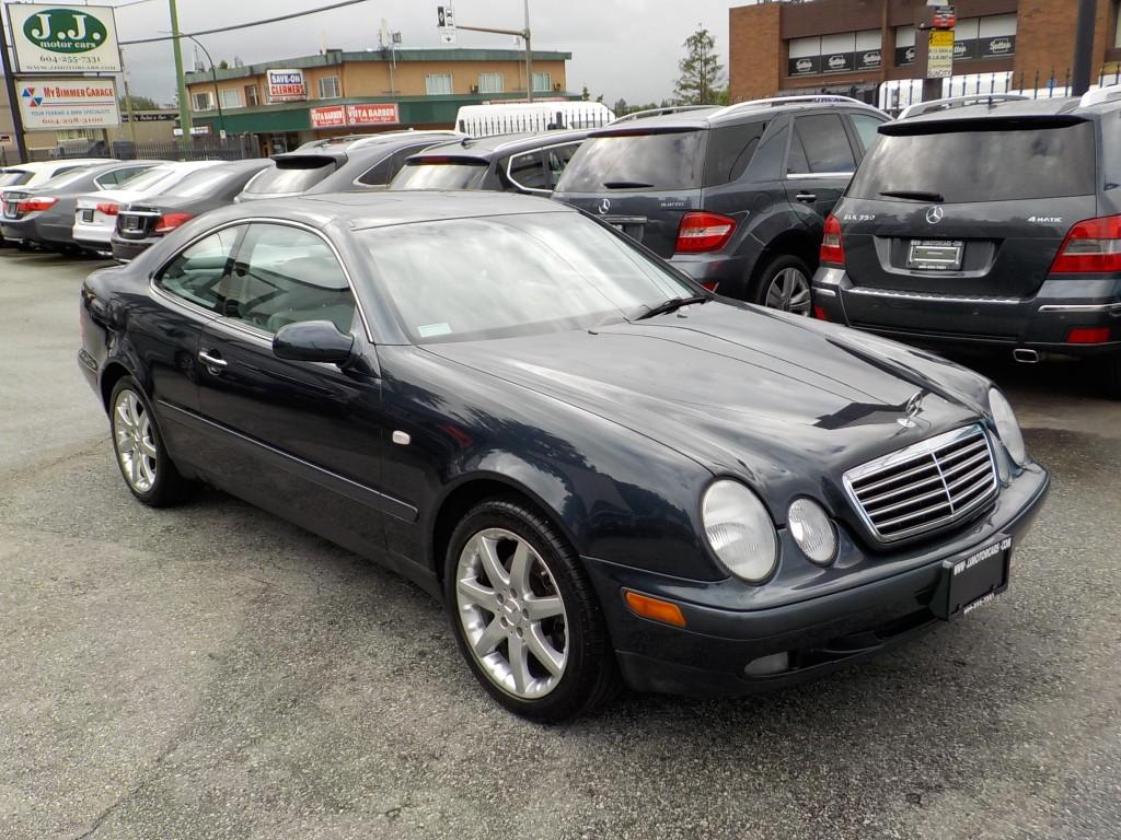 1999-Mercedes-Benz-CLK320