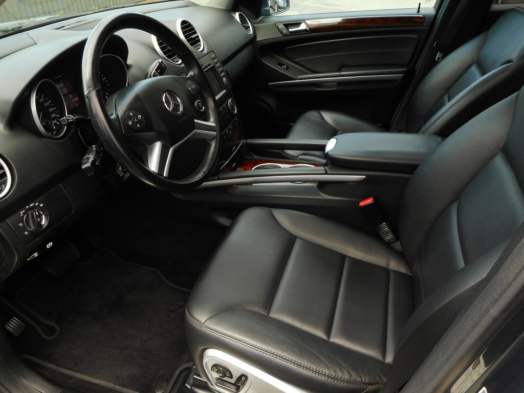 2011-Mercedes-Benz-M-Class