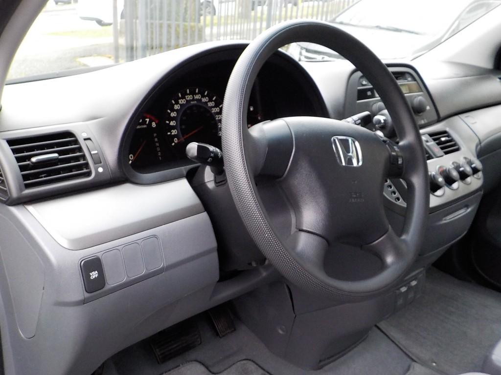 2006-Honda-Odyssey