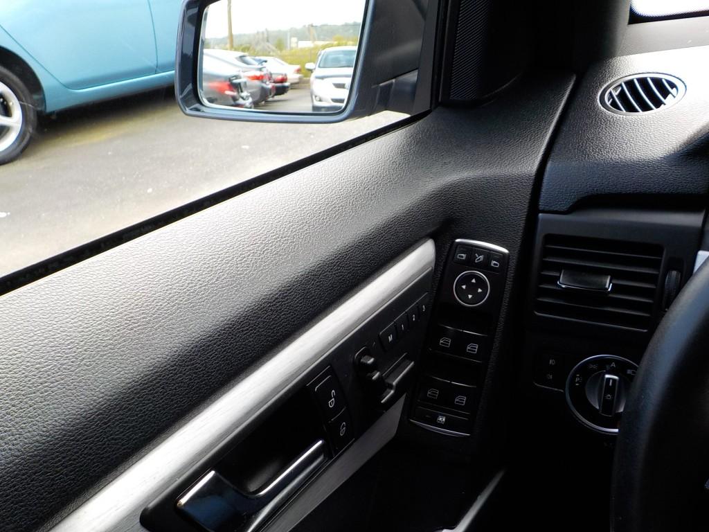 2011-Mercedes-Benz-GLK-Class