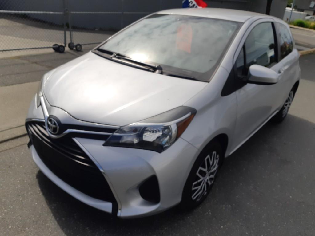 2015-Toyota-Yaris