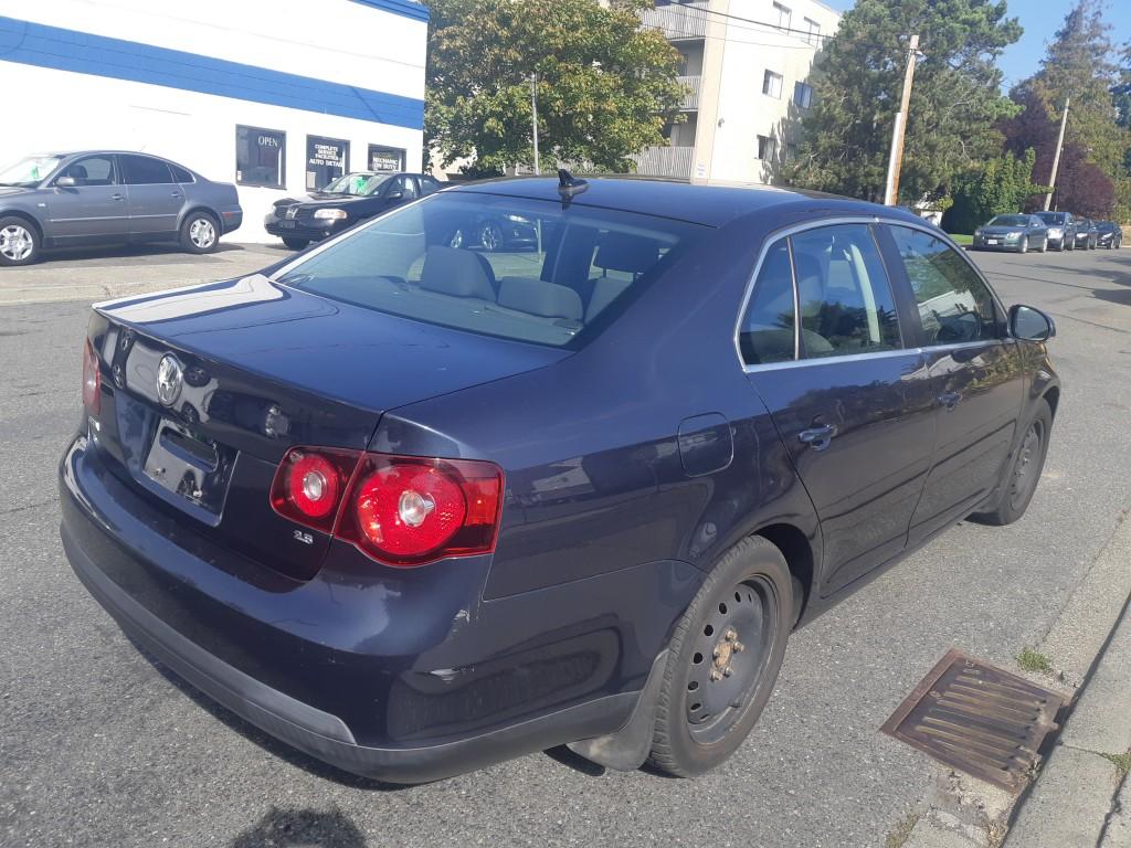 2009-Volkswagen-Jetta Sedan