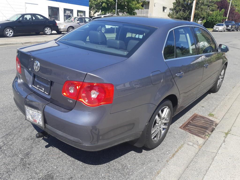 2006-Volkswagen-Jetta Sedan