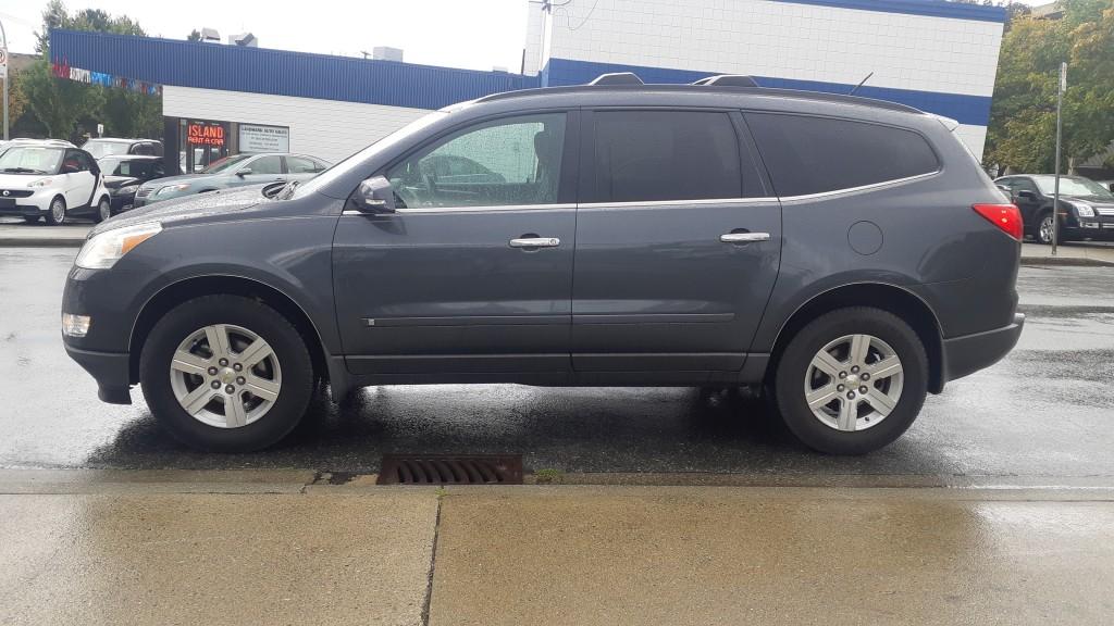 2010-Chevrolet-Traverse
