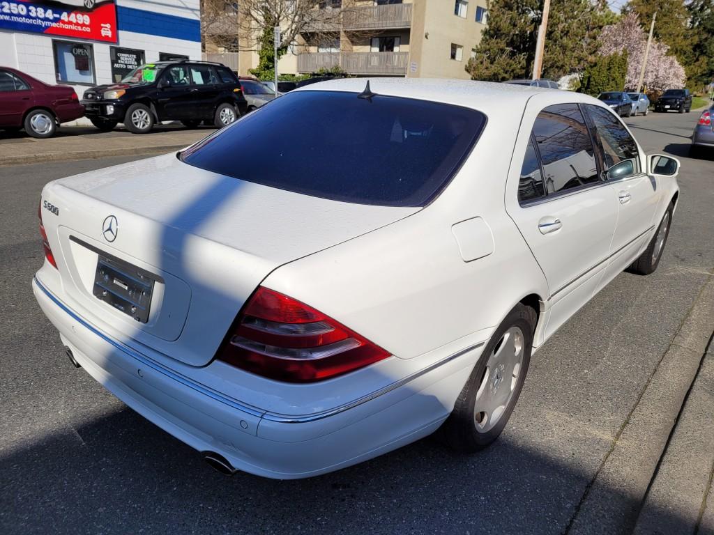 2001-Mercedes-Benz-S600