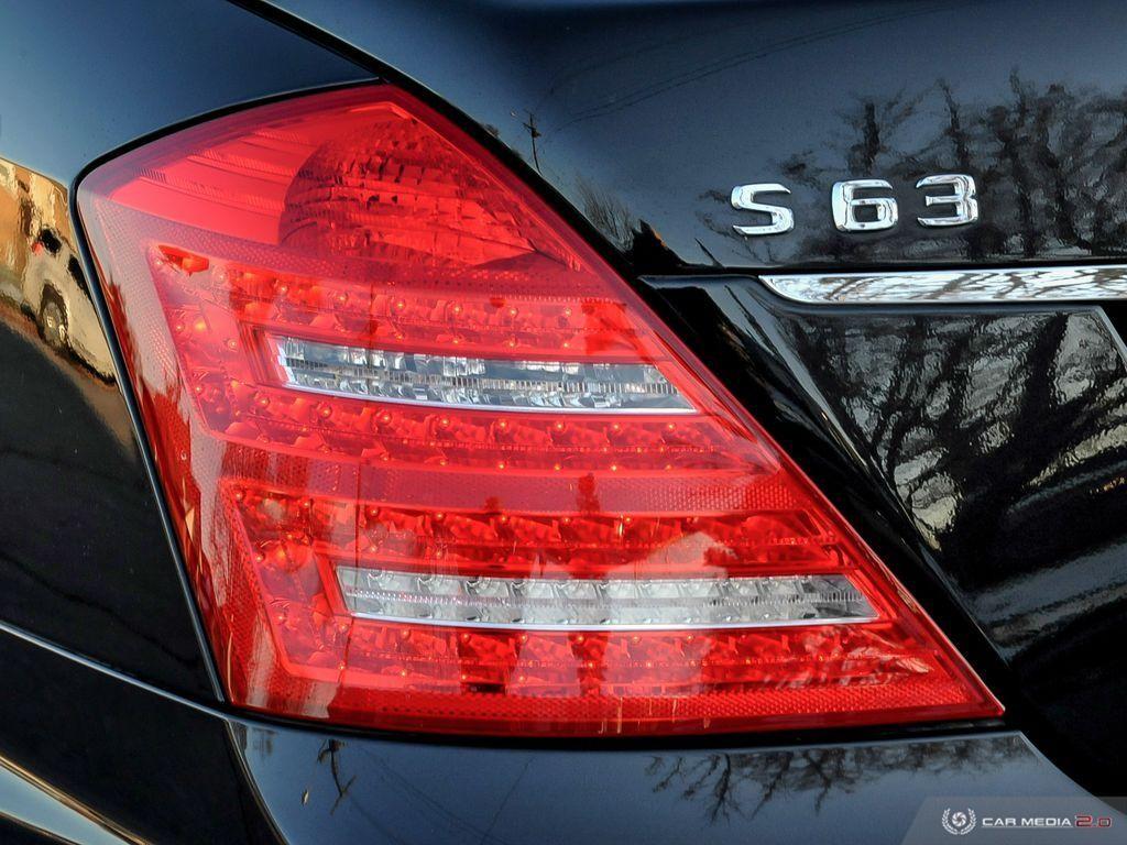 2011-Mercedes-Benz-S-Class