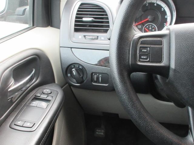 2013-Dodge-Grand Caravan