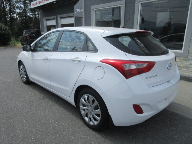 2013-Hyundai-Elantra GT