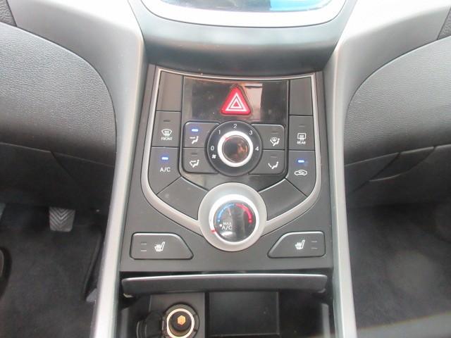 2015-Hyundai-Elantra