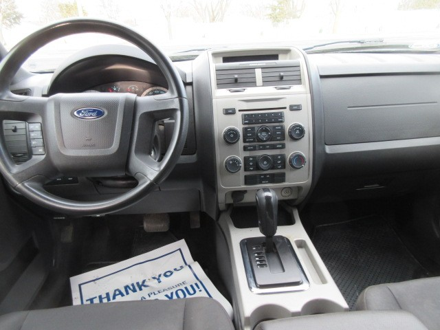 2011-Ford-Escape