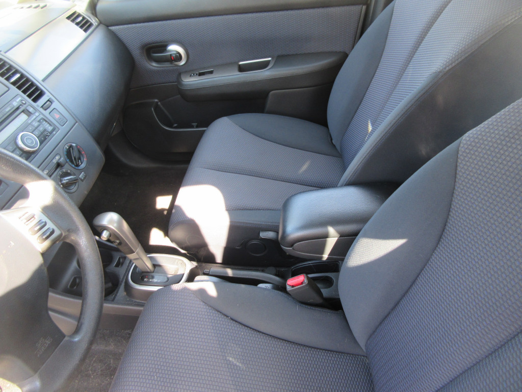 2008-Nissan-Versa