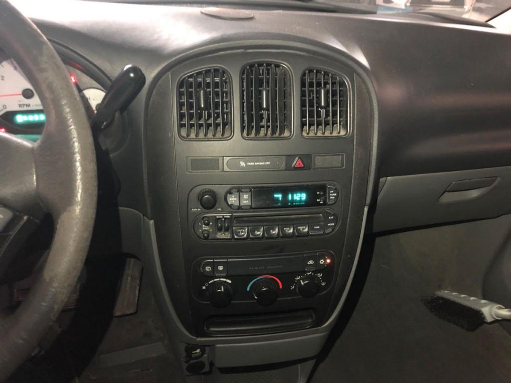2006-Dodge-Caravan