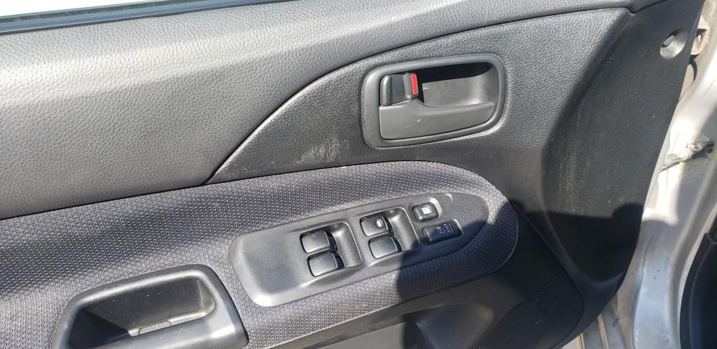 2003-Mitsubishi-Lancer