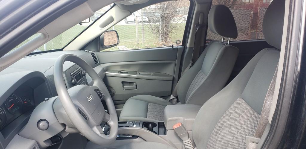 2005-Jeep-Grand Cherokee