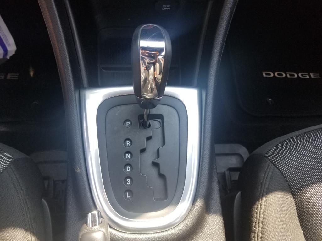 2013-Dodge-Avenger