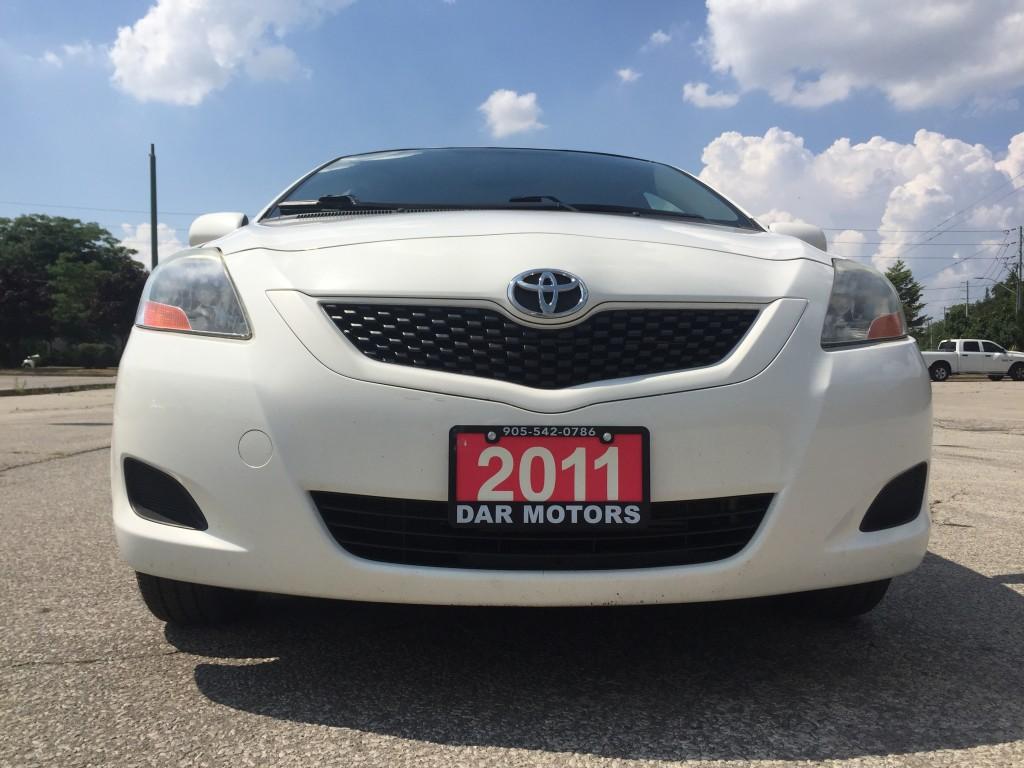 2011-Toyota-Yaris