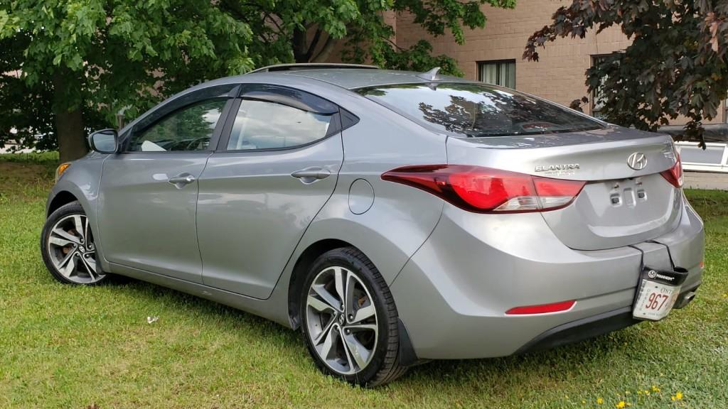 2016-Hyundai-Elantra