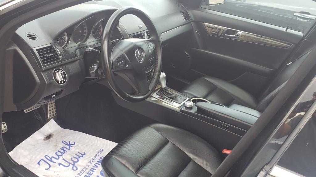 2009-Mercedes-Benz-C300