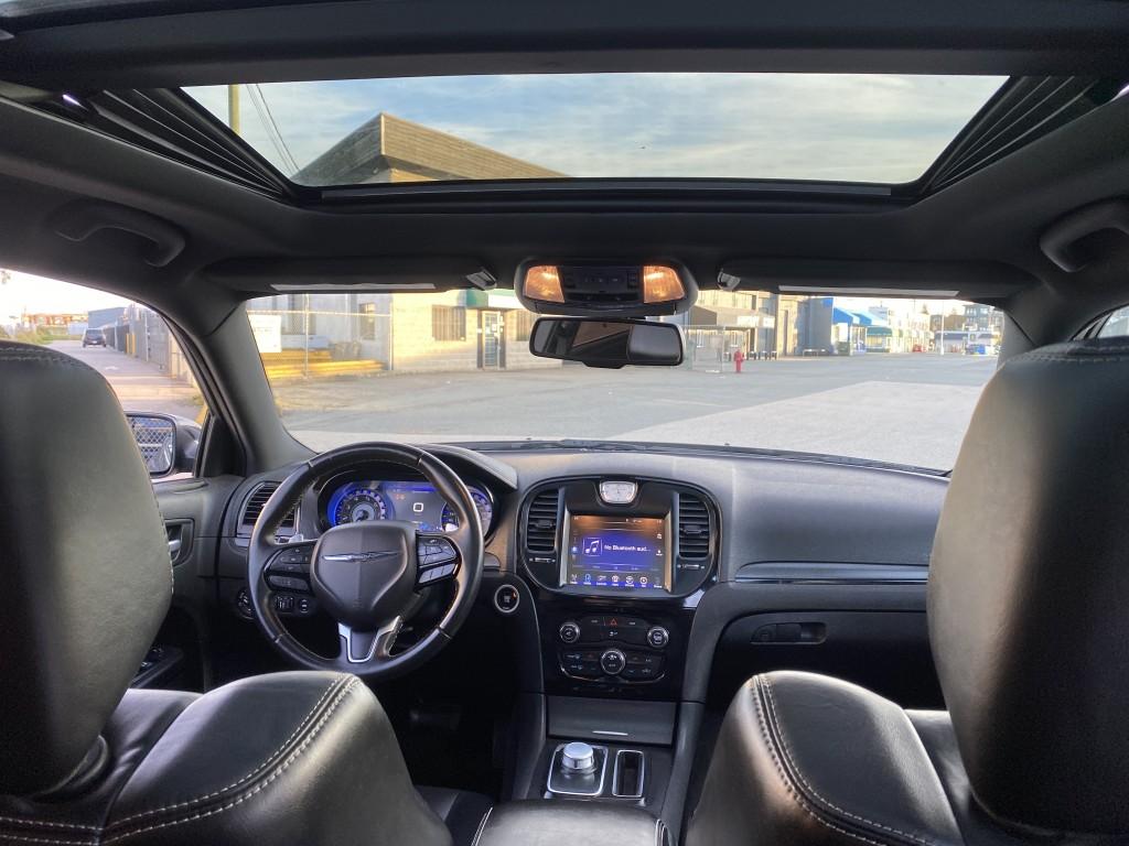 2016-Chrysler-300