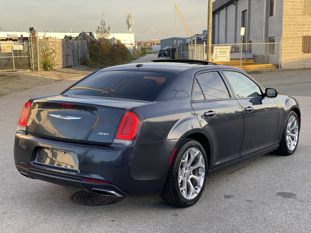 2016-Chrysler-300