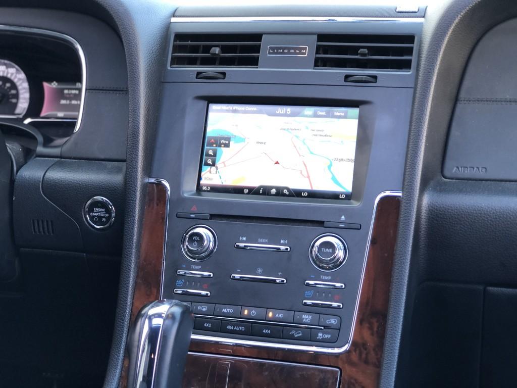 2015-Lincoln-Navigator L