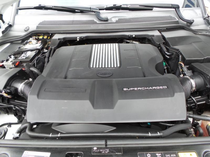 2014-Land Rover-LR4