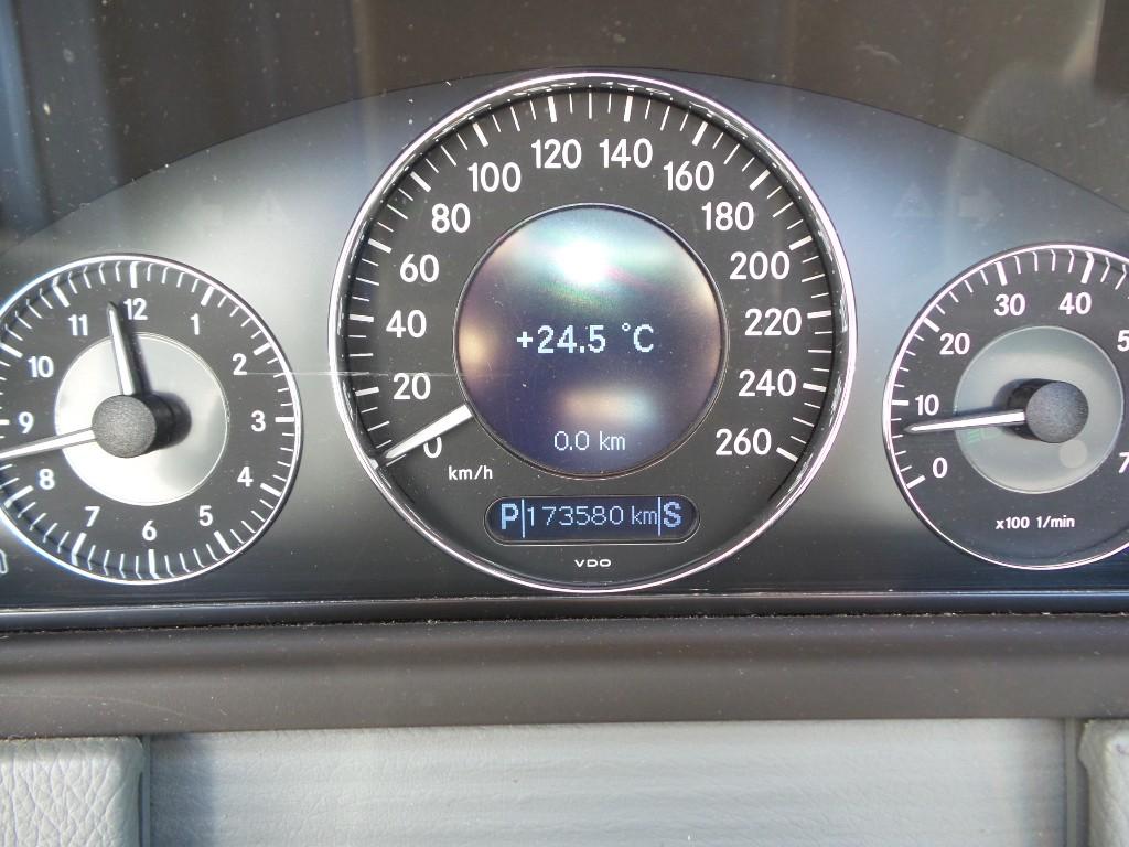 2006-Mercedes-Benz-CLK-Class