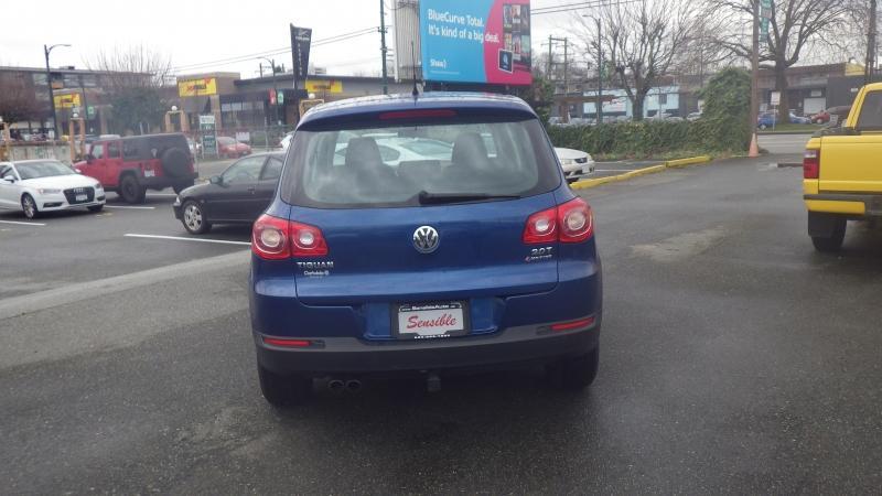 2009-Volkswagen-Tiguan