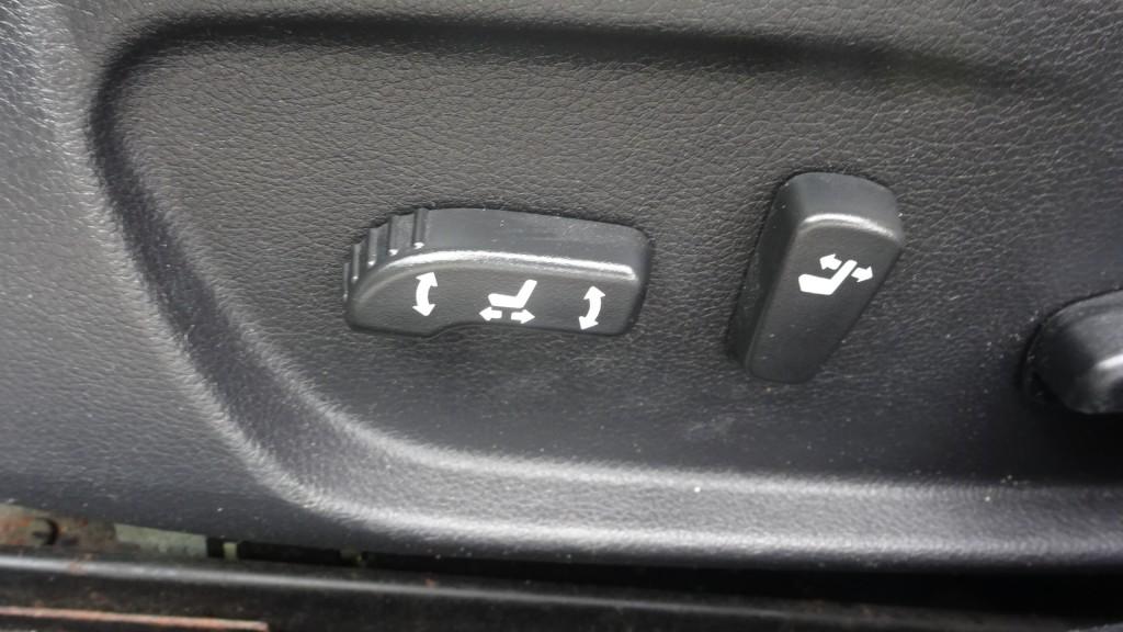 2009-Nissan-Maxima