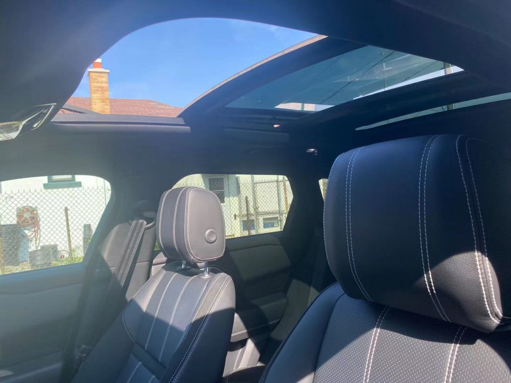 2020-Land Rover-Range Rover Velar