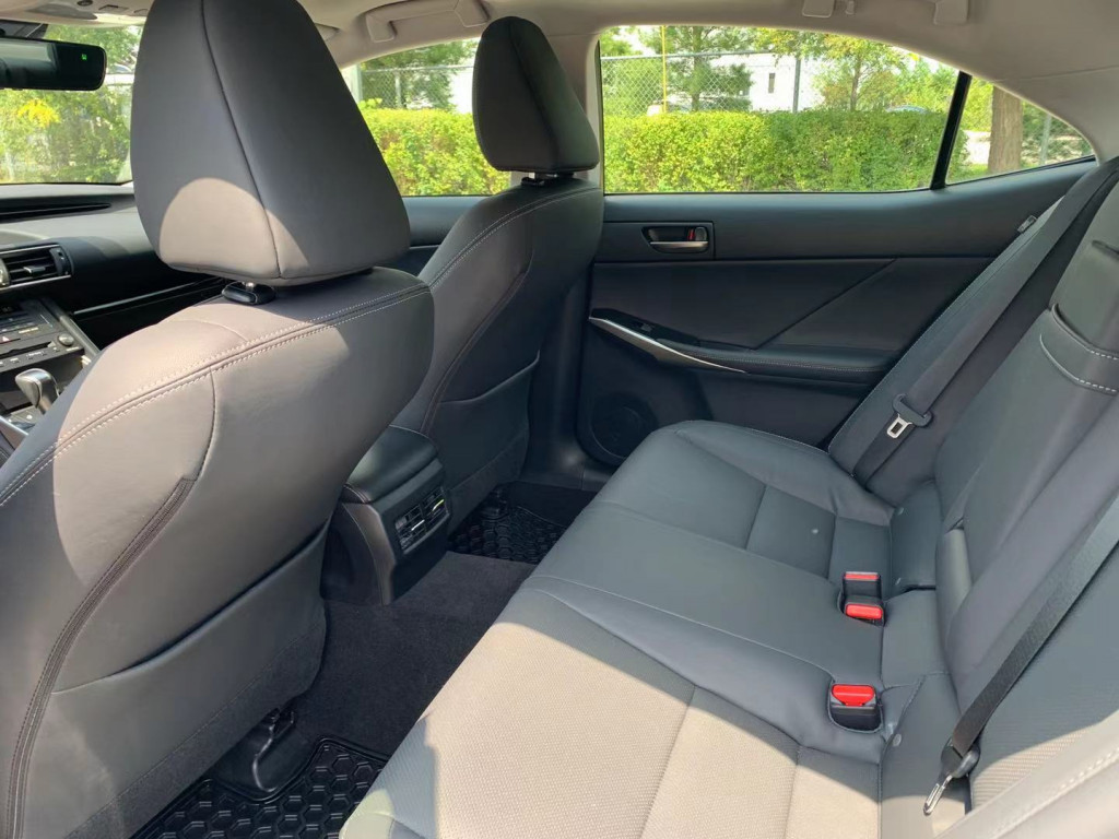2020-Lexus-IS