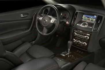 2010-Nissan-Maxima
