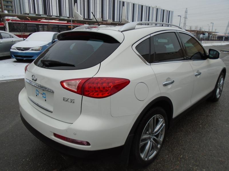 2012-Infiniti-EX35