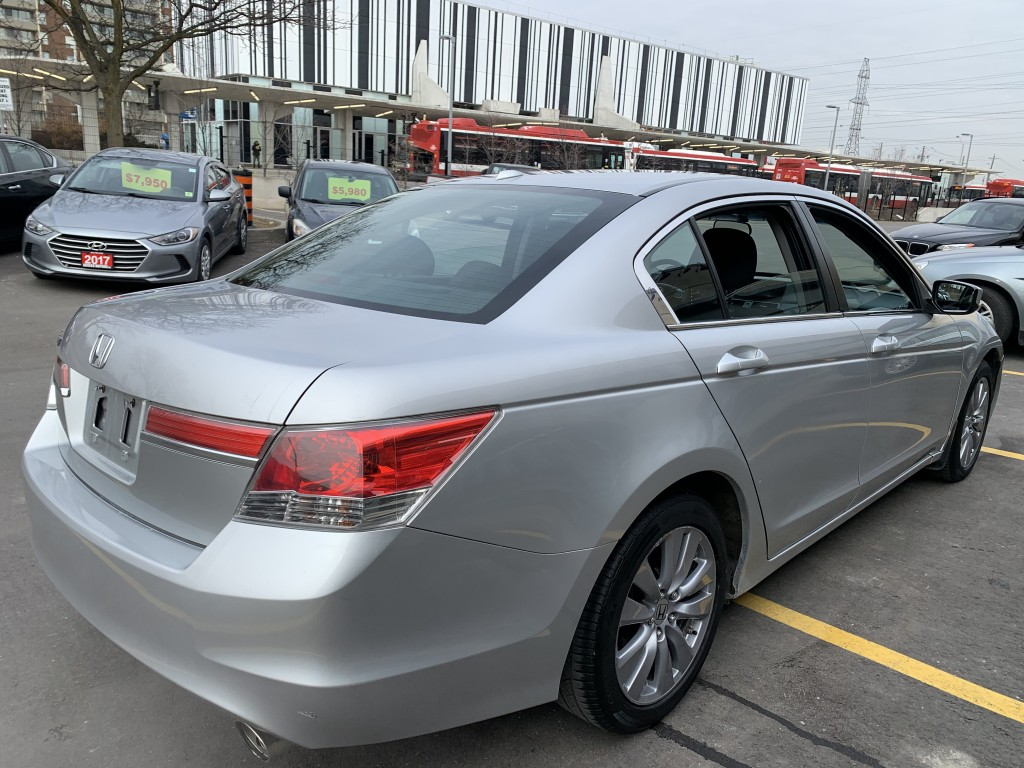 2011-Honda-Accord Sedan